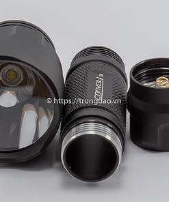 Các thành phần đèn pin Convoy C8 (Convoy C8 flashlight parts front-side)